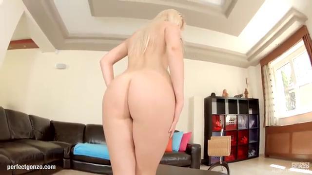 Блонди пробует в анал